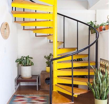escalera-de-caracol-colorida