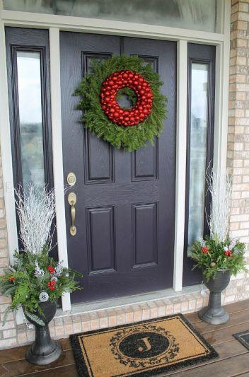 Wreaths-DIY-Christmas-Front-Door