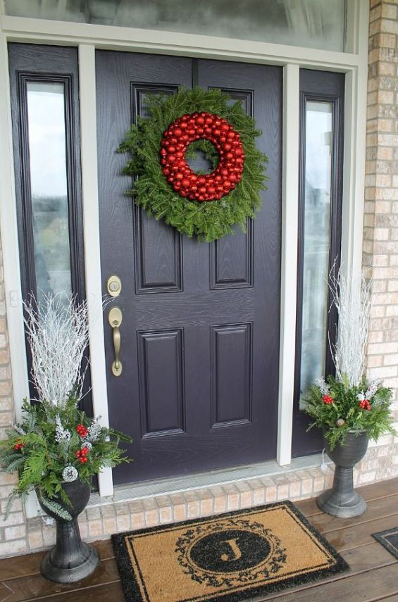 Wreaths-DIY-Christmas-Front-Door